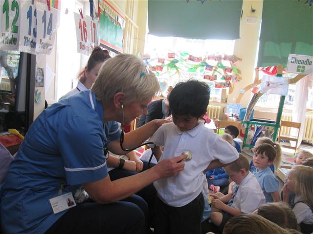 The school nurse used her stethoscope